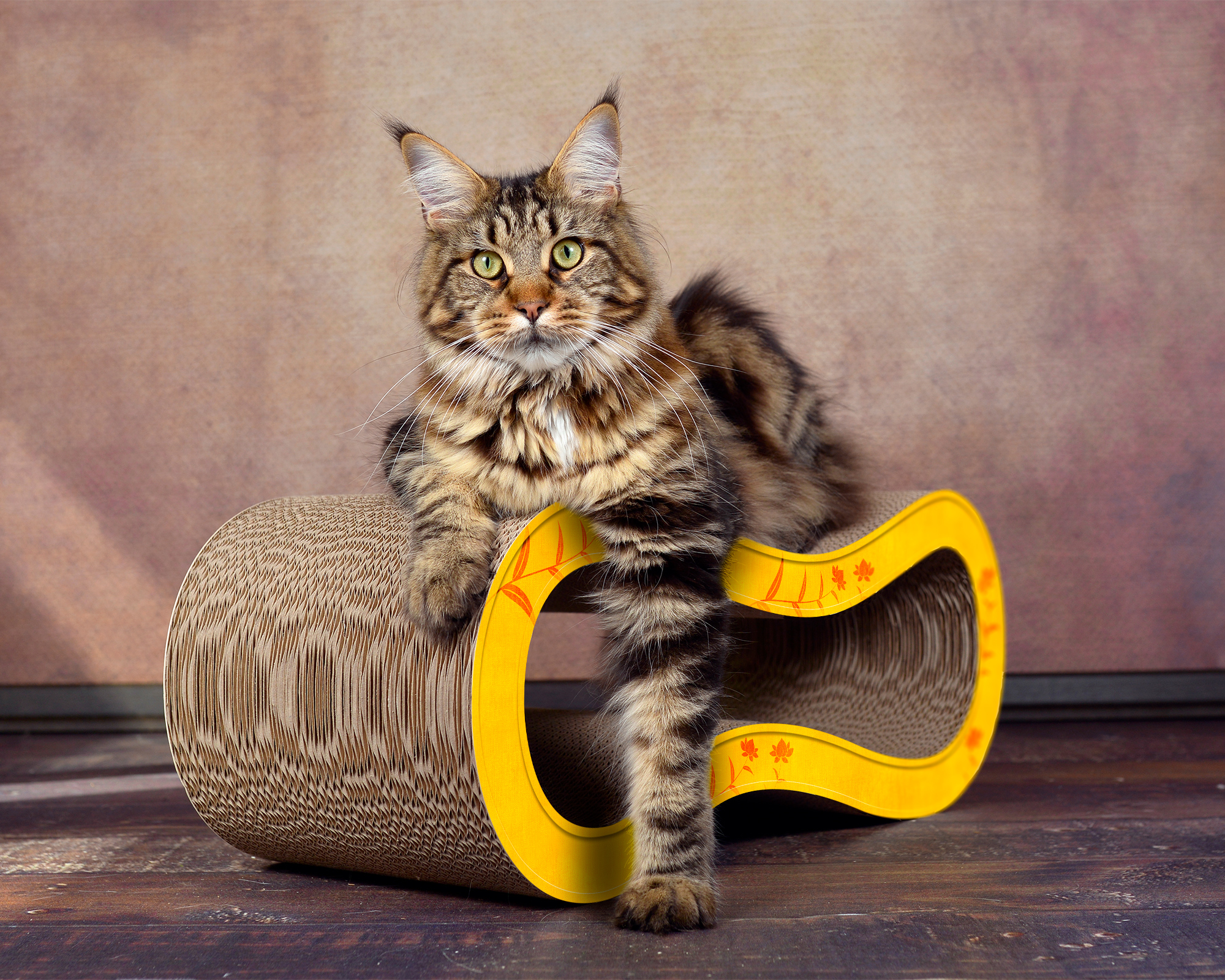 design scratch post for cats in yellow with orange flowers pattern