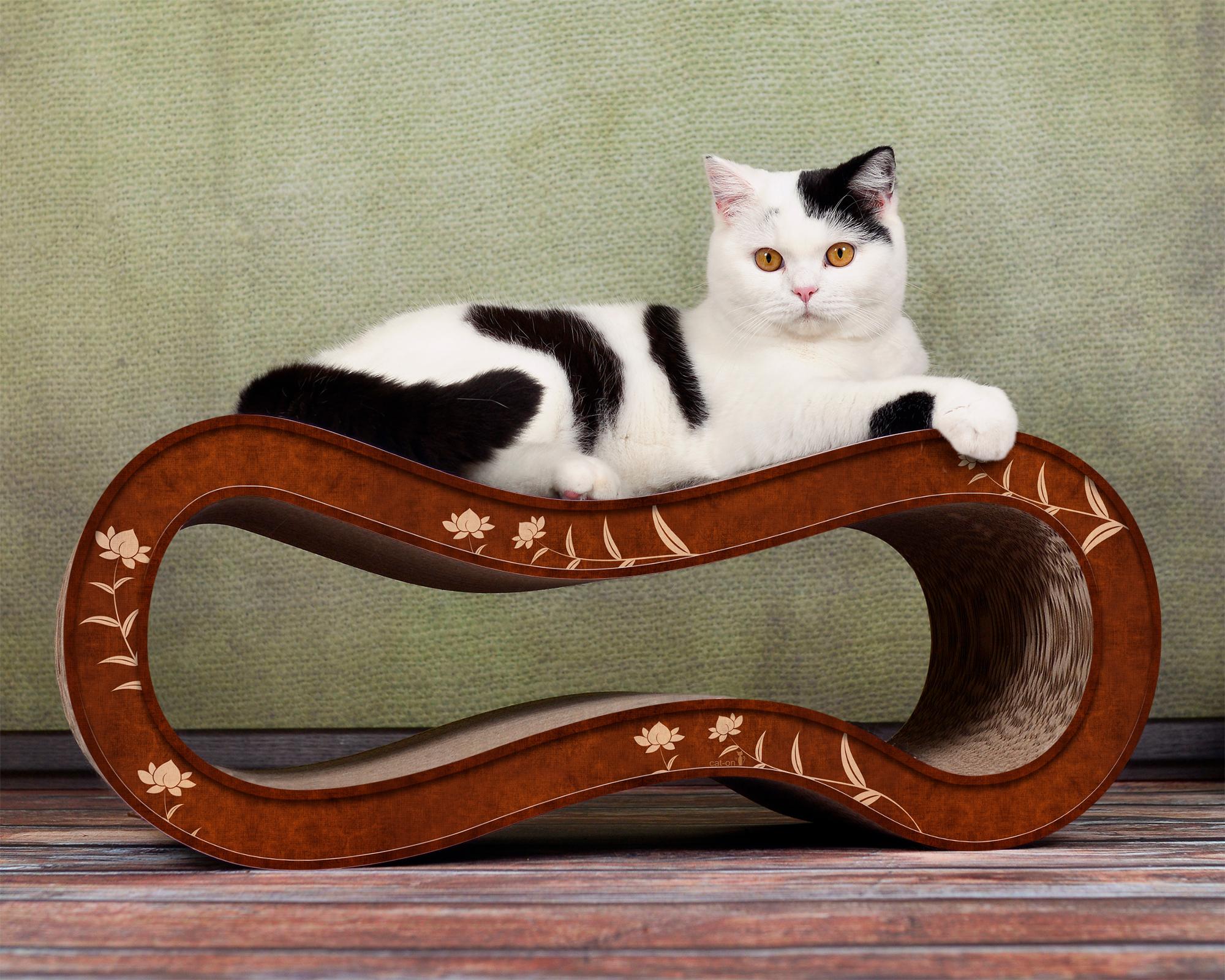 Cat scratching post Singha M in brown-beige