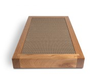 Boisé cat scratcher in cherry tree wood