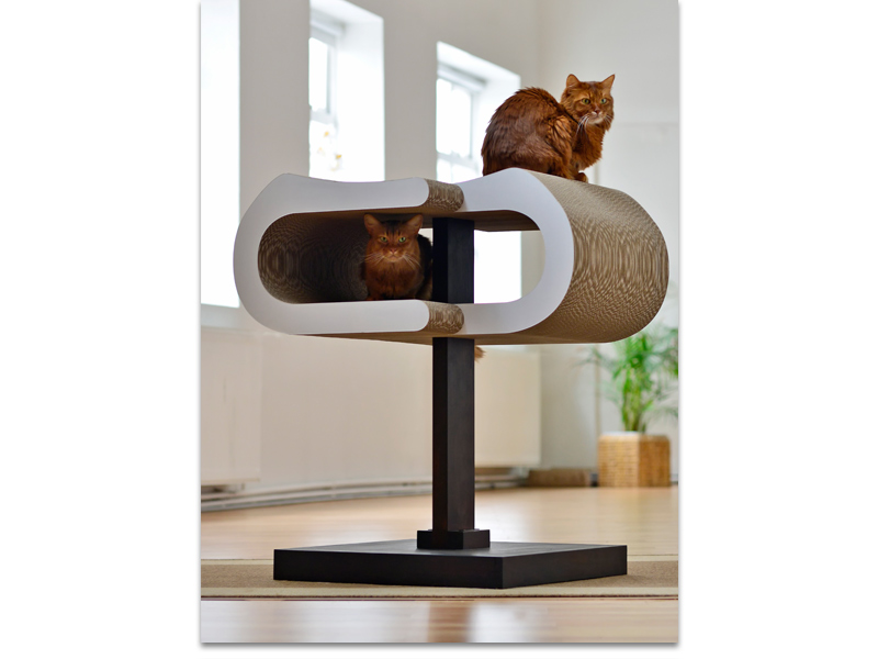 a cat tree like a sculpture: the design cat tree cat-on Arbor