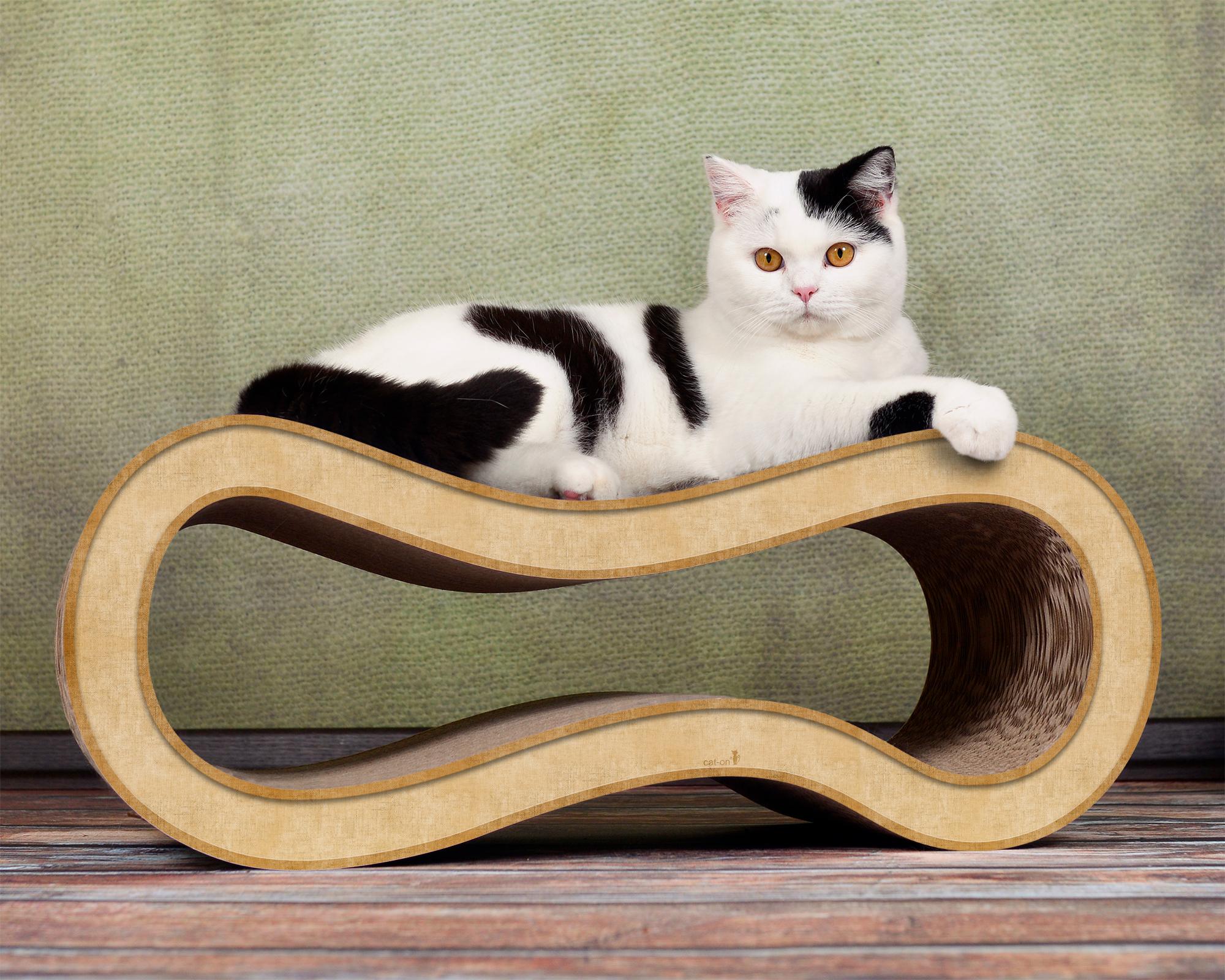 beige cat scratching post Singha M